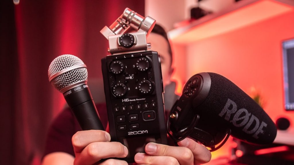 Film your performance for Instagram: microphones